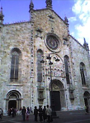 Como%20Cathedral_resize.jpg