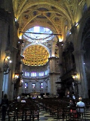 Como%20Inside%20Cathedral_resize.jpg